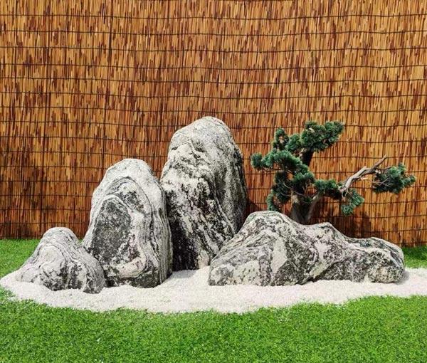 武汉别墅庭院雪浪石